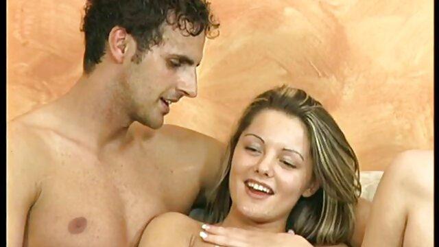 Three girlfriends as video sex cuisine a tempting sight
