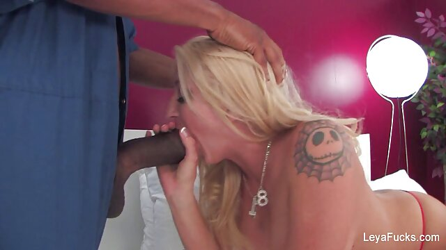 Playful young girl caresses her hairy pussy with her hands and cuisin porn cums