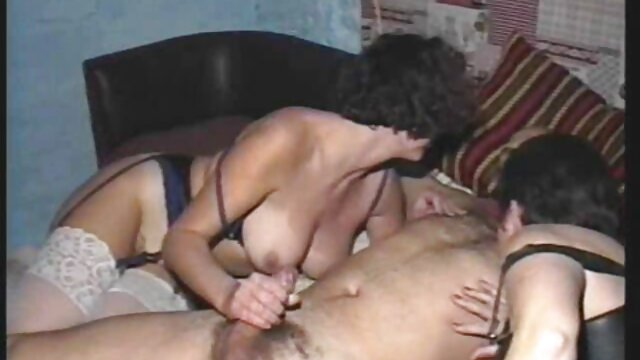 Pink video sexe en cuisine pussy gets a kinky handjob from a young bitch in yellow lingerie