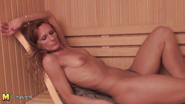Porn model performs xxnx cuisin her striptease dance