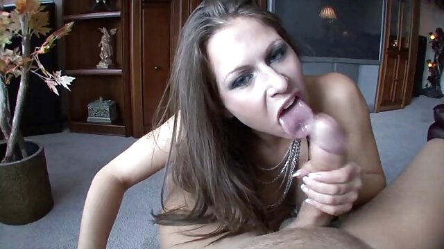 Latin porn star as an overseas treasure porno dans cuisine