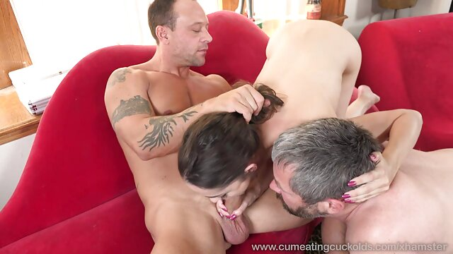 Petite black woman powerfully smashed all the holes dans la cuisine porno by two strong dicks