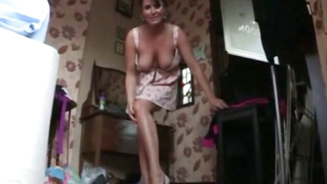 Fat mature woman met a man in a bar porno dans une cuisine and took home to fuck