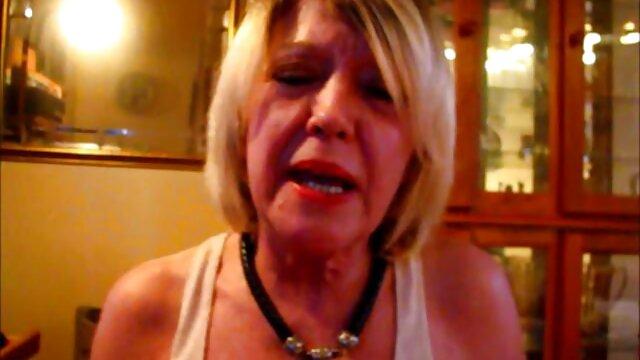 Mature blonde brutal group fuck and cum on her porno mere et fils dans la cuisine face