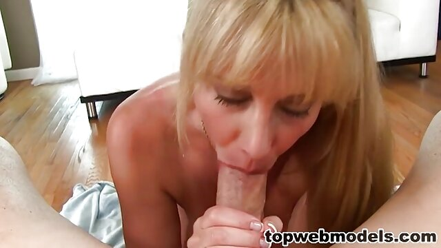 Belladonna teaches young girls the porno dans cuisine secrets of anal mastery :)