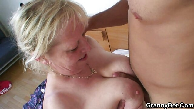 Mature redhead woman allows her lover to brutally fuck herself on porno mere cuisine the couch