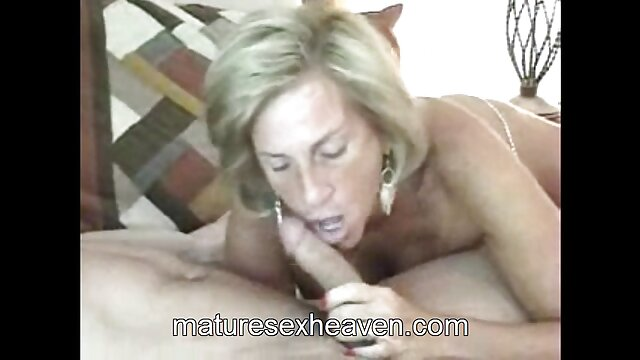 Mature Japanese woman with unshaved pussy wants to fuck with a guy and get porno mere cuisine an orgasm