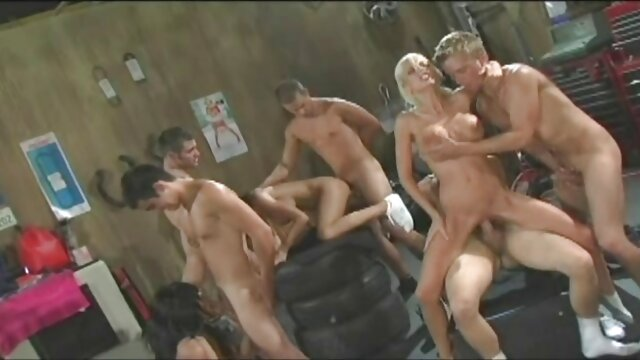 Lesbian girls play without sex toys porno dans cuisine